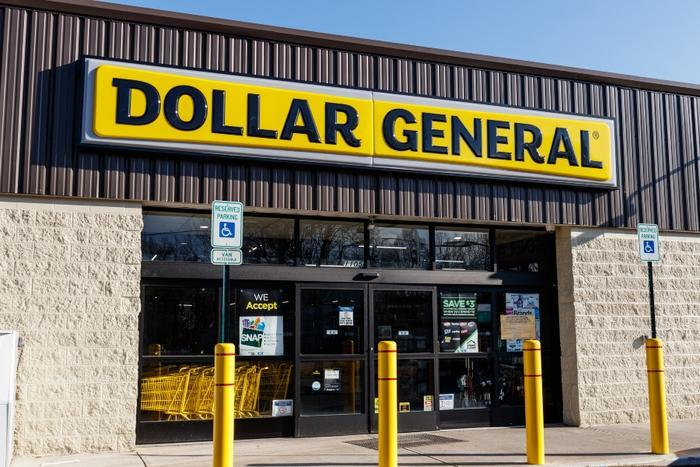Dollar General store entrance