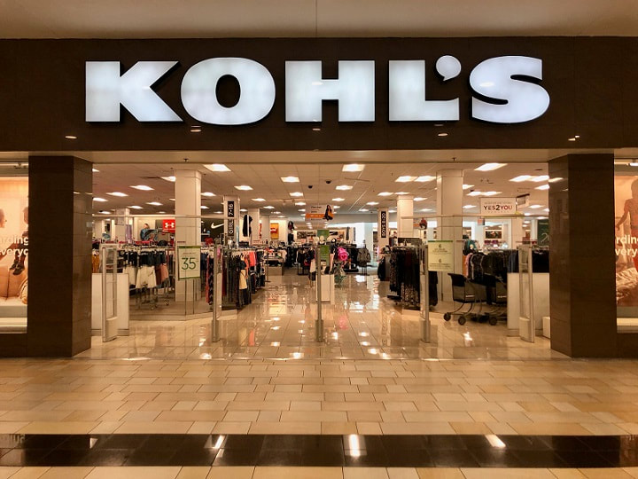 Kohl's store entrance inside a mall. Image obtained from Greenwichtime.com
