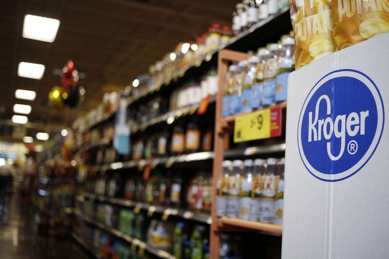 Inside one of the shopping aisles of Kroger. Image obtained from Bloomberg.com